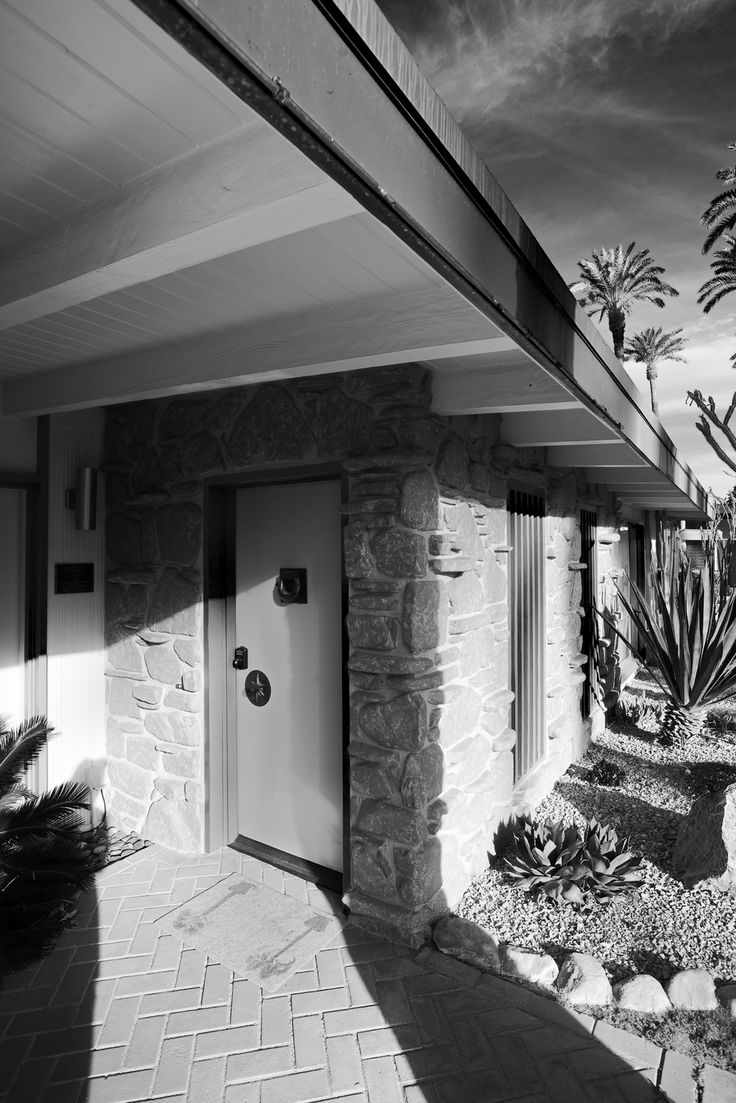 549 best mcm doors entryways images on pinterest front for Mid century modern architects houston