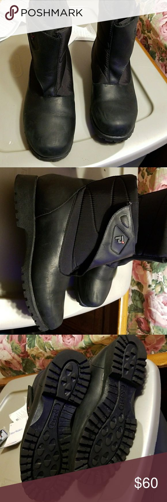 Blk waterproof boots Winter boots. Acrylic lining. Never worn. Propet Shoes Winter & Rain Boots