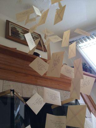 Decoración de cartas flotantes