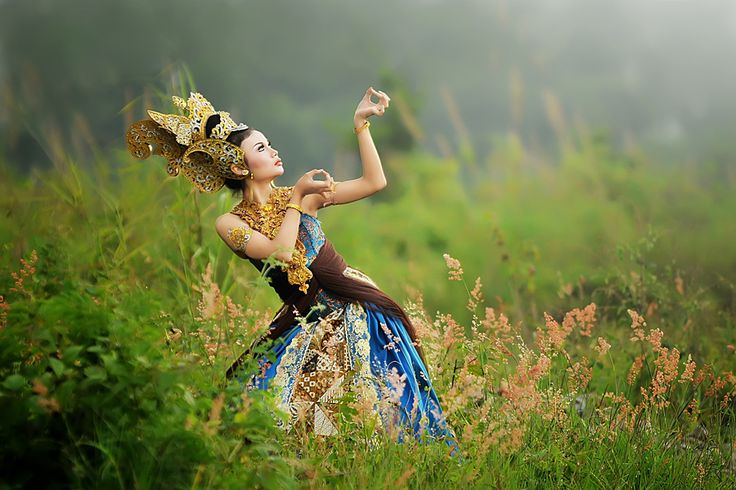 Style contemporer Dance by iwan kristiana on 500px