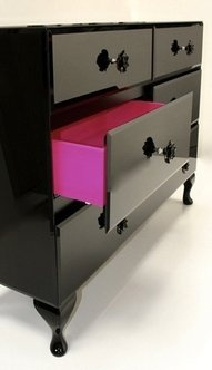 Paint the inside of a drawer a different color. LOVE the idea! LOVE the pink + black combo!