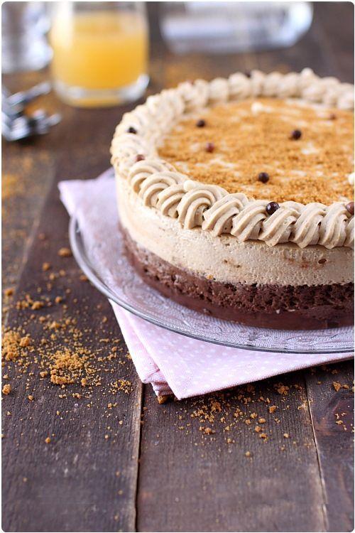 Gâteau au praliné feuilleté, mousse chocolat et mousse spéculoos