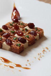 Damier de foie gras, pain d'épices et ail confit au sirop de floc de gascogne