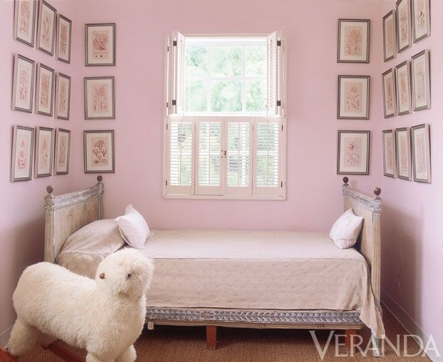 India Hicks - girls's bedroom. Via Veranda Magazine.