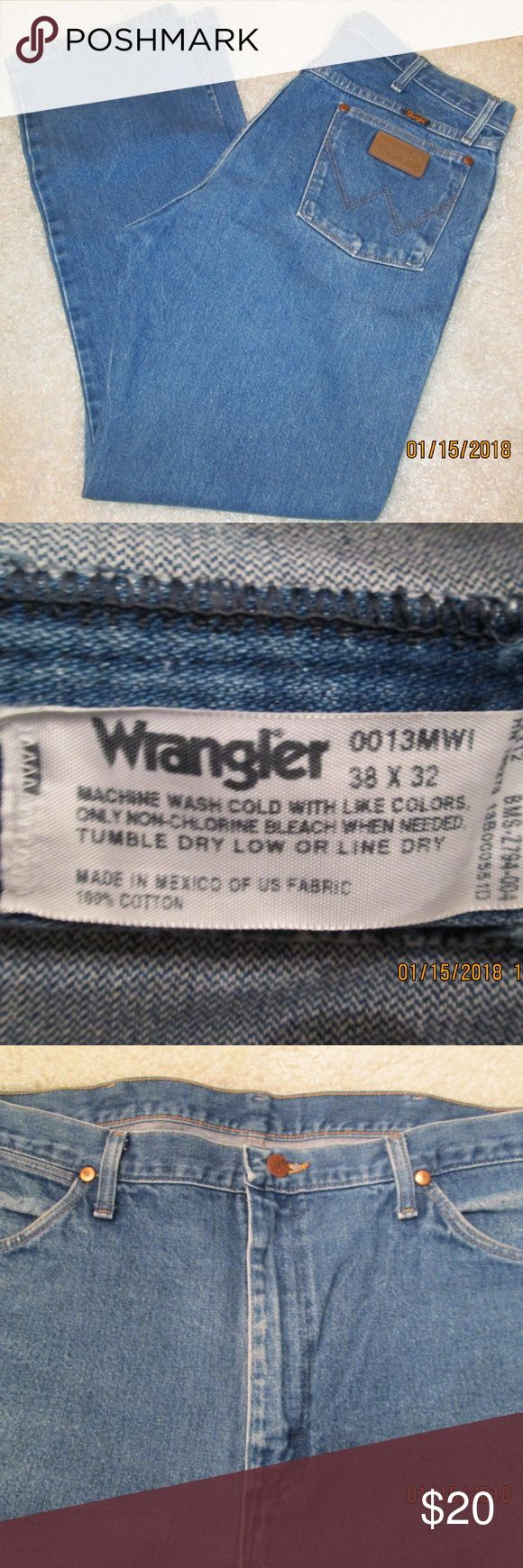 Wrangler Cowboy Cut Straight Leg Jeans 38x32 Wrangler Cowboy Cut Straight Leg Jeans  38x32 Medium Wash Indigo Style 0013MWI Front Closure Type: Zipper fly with button closure Straight Leg Fabric: 100% Cotton UPC 755107875364 Tag size 38x32 Excellent pre-owned condition from smoke and pet free home Wrangler Jeans Straight