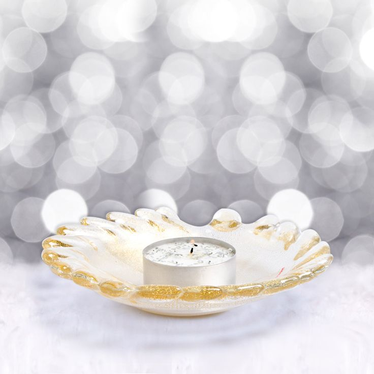 Embelish your Christmas Dinner Table with this crystal glass candleholder plate made with submerged 24Kt gold leaf #yourmurano #glassart