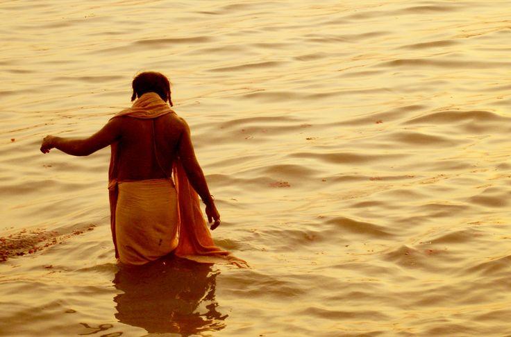 A bather in Kolkatta.