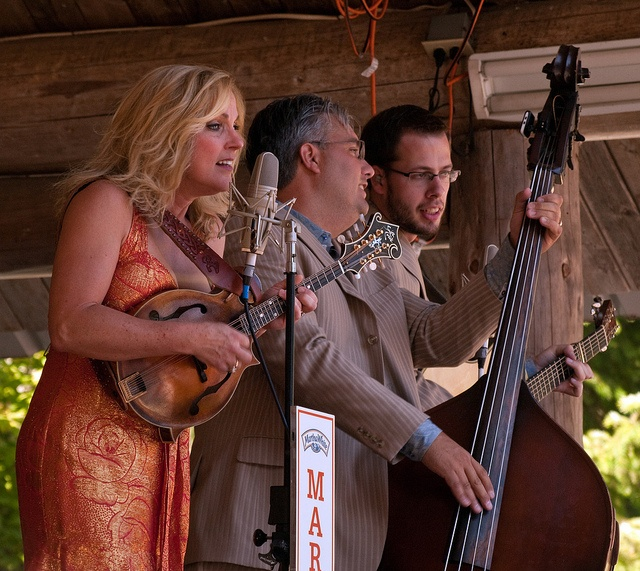 Rhonda Vincent, Queen of Bluegrass.