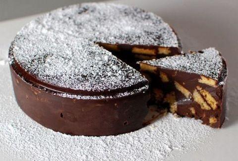 Σοκολατένια τούρτα ψυγείου με μπισκότα | είσαι γυναίκα; μπές εδω