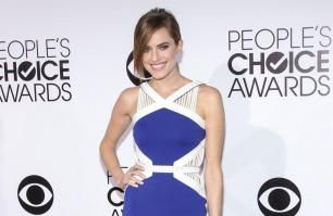 Allison Williams 'obsessed' with engagement ring
