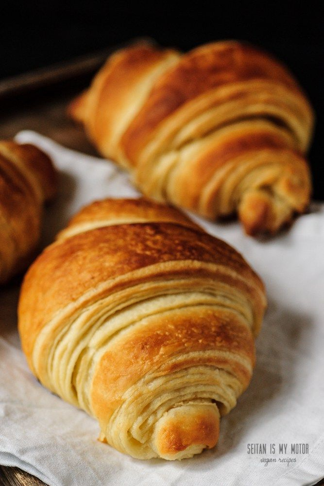 vegan croissants with margarine or coconut oil  #vegan  Entdeckt von www.vegaliferocks.de✨ I Fleischlos glücklich, fit & Gesund✨ I Follow me for more inspiration  @vegaliferocks
