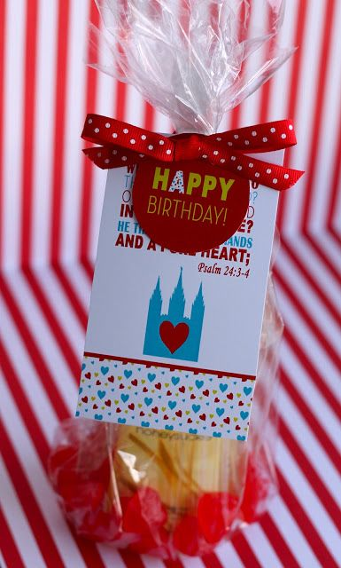 Cute idea for Young Women Birthday Gift with free printables!