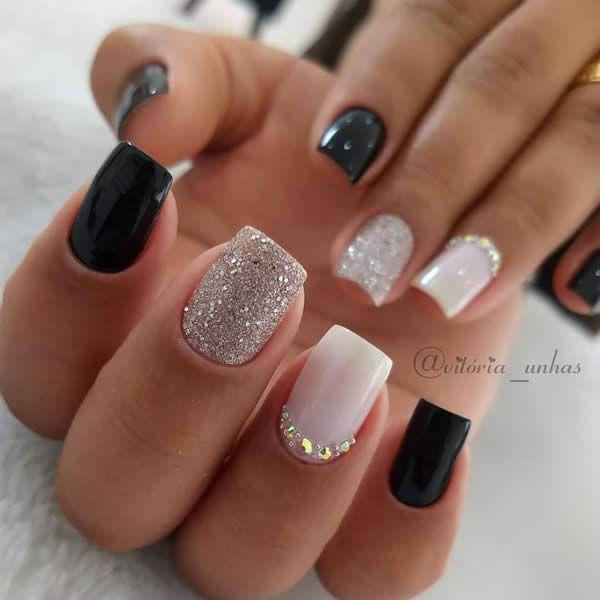 50 lindas unhas decoradas pretas fáceis de fazer | Blog da Nati | Fall acrylic nails, Classic nail designs, Trendy nails