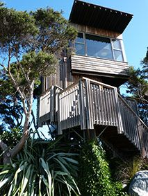 Romantic Hapuku Lodge in the treetops, Kaikoura, NZ