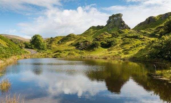 Einer der magischsten Orte der Insel ist das Tal der Feen. Zahlreiche kleine Hügel prägen die Landsc... - cbaum/123RF