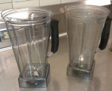 clean cloudy vitamix containers