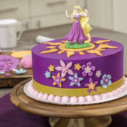 Learn how to make a Rapunzel cake / princess party ideas