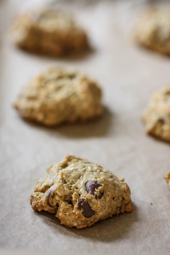 Chocolate Chip Pistachio Breakfast Cookies by eatliverun: Hearty, healthy, low fat, vegan and perfect for road trips. #Breakfast_Cookies #Healthy #Vegan