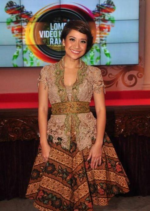 Dress Batik Modern Untuk Anak Muda Kebaya Model Kebaya Modern