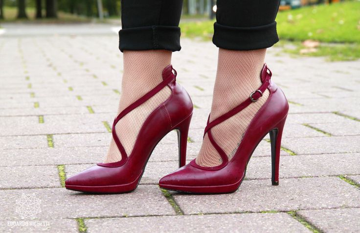 shop online: www.shop.nila-nila.com  READ MORE: http://www.mrsnoone.it/2014/11/trend-alertburgundy/#more-4582
