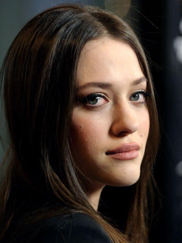 10 Kat Dennings Makeup Looks: Not Always Red Lipstick - Beautygeeks