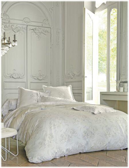 Linge de lit Blanc des Vosges modèle Curiosites disponible sur www.grandes-marques.fr   #white #homedecor #style #fun #modern #roomgirl