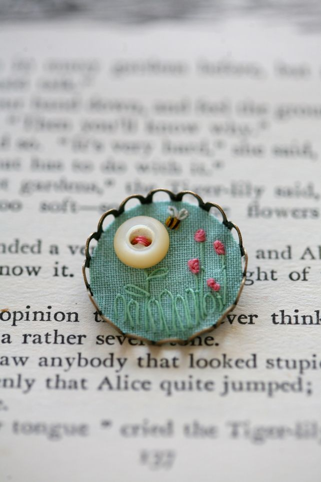 Summertime - Flowers and Bee, Small Brooch - Filled with Vintage Textiles ♡ Teresa Restegui http://www.pinterest.com/teretegui/ ♡