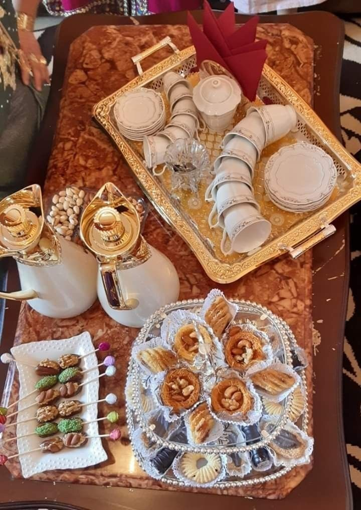 طريقة تزيين مائدة لمناسبتكم تزيين مائدة الخطوبة تزيين مائدة العيد لجميع المناسبات Dessert Decoration Eid Cookies Recipe Food Decoration