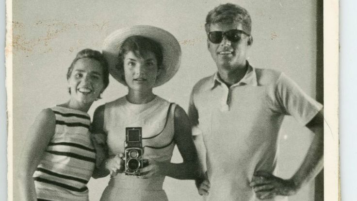 Some quality selfies here. Before iPhones, Celebrities Still Found a Way to Take Selfies
