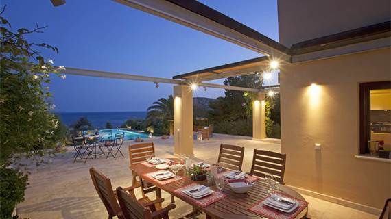 #Dining table for eight people on the veranda