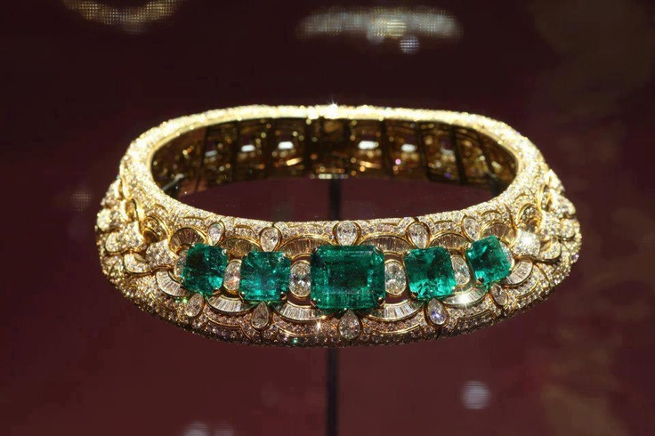 Bulgari necklace owned by Liz Taylor