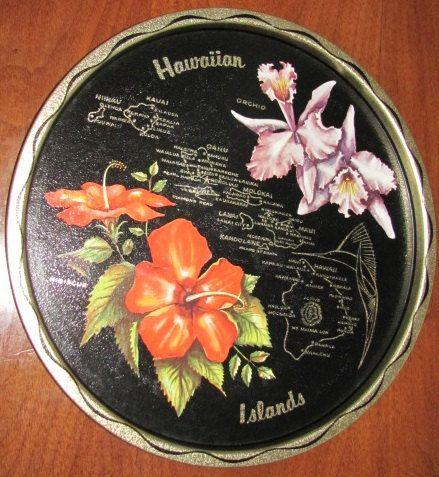 Vintage mi siècle îles hawaïennes carte Souvenir plateau en étain - souvenirs - Patio - terrasse - service - se divertir - boissons - Hibiscus