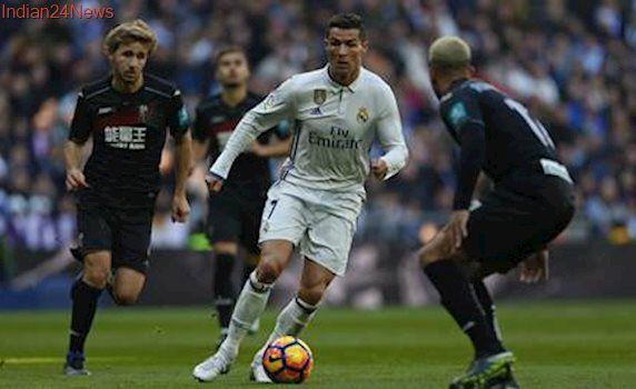 Cristiano Ronaldo scores as Real Madrid match Barcelona's unbeaten record