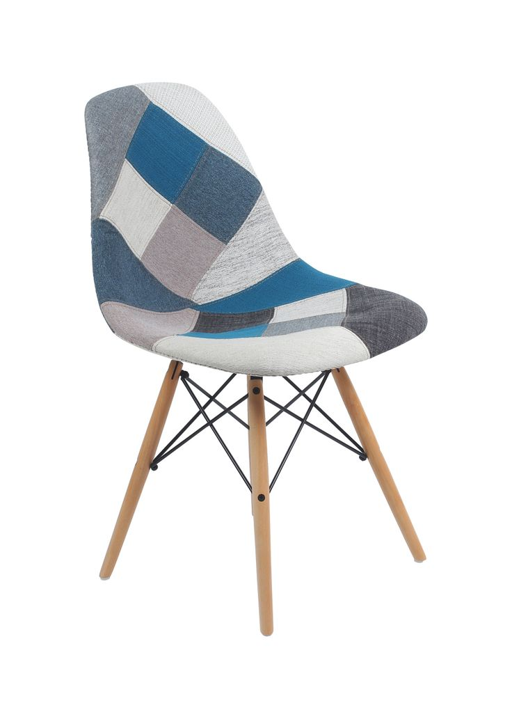 22 best la vie en bleu images on pinterest charles eames for Chaise eames dsw style patchwork