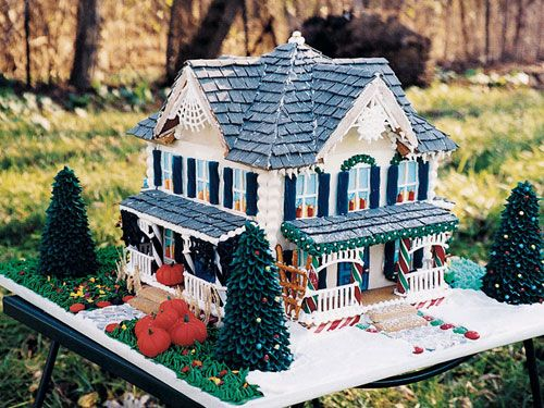 Winter to summer, this country gingerbread house has all four seasons