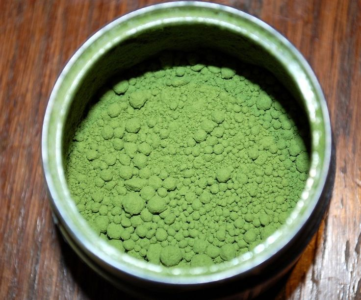 The Matcha Green Tea Benefits For Skin Make This DIY Face Mask Way Too Good To Pass On