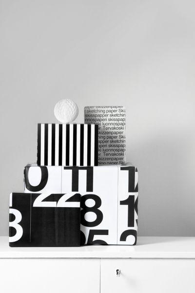 Via Scandinavian Deko | Black and White | Stendig Calendar Christmas Wrapping