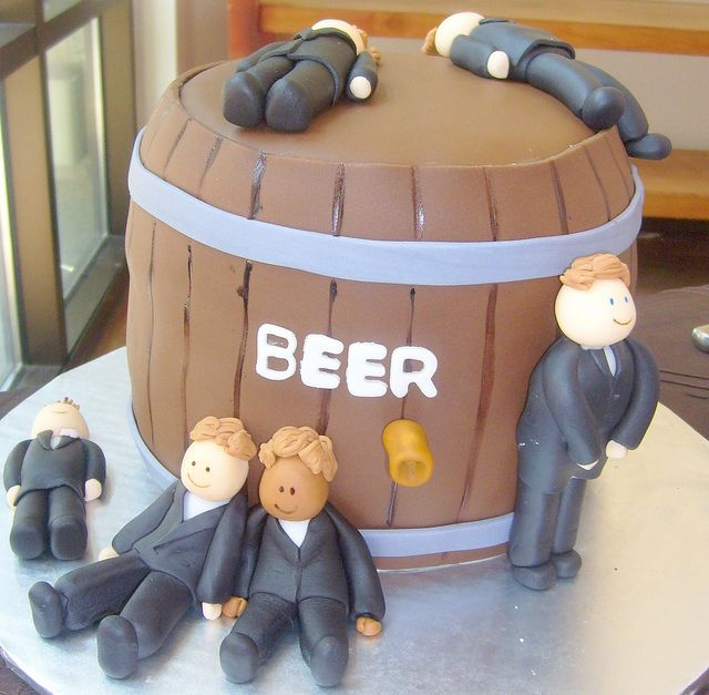 ugh... if I was going to have a groom's cake, I feel like this would have to be it, lol