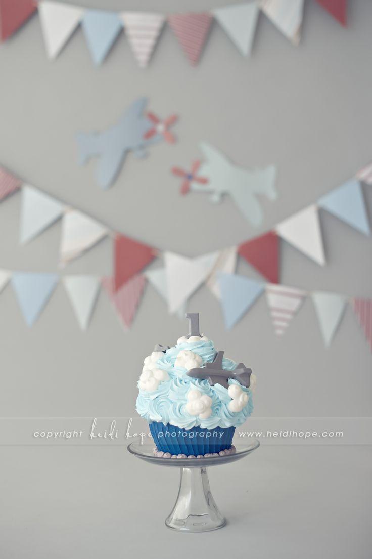 Happy birthday baby K! Rhode Island first birthday cake smash photographer. | Heidi Hope Photography