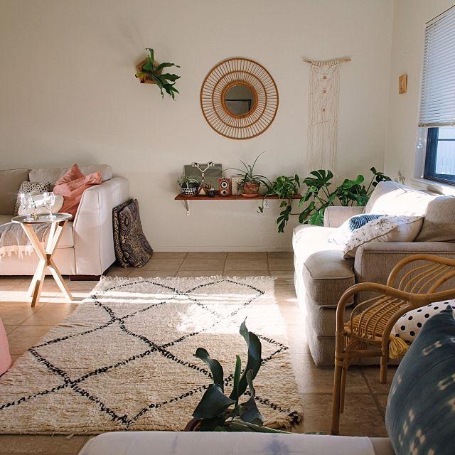 freakycatさんの、Overview,モロッコ,モンステラ,お正月,コウモリラン,初日,ラタンチェア,BOHO,ラタンミラー,マクラメ,Boho Style,海外生活,植物のある暮らし,ベニワレンについての部屋写真
