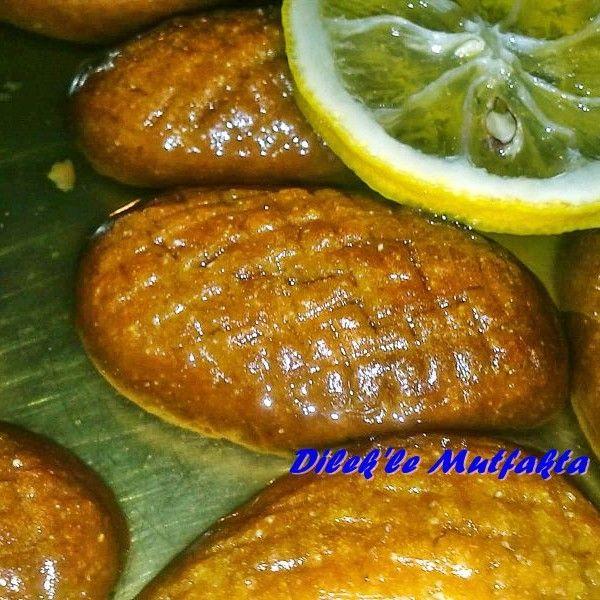 Dilek'le Mutfakta'dan Kalbura Bastı;   Türk mutfağından enfes bir tatlı..sıvı yağl, irmik ve unla yapılan şerbetli tatlıdan sipariş verin.