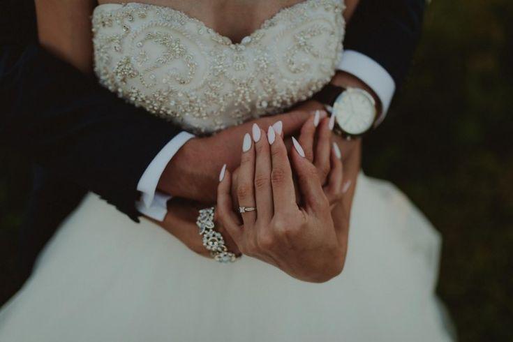 Suknie - Sprzedam wyjątkową suknię ślubną - 2 300,00zł