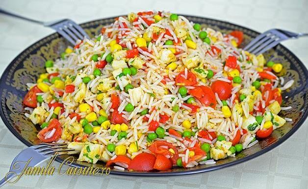 Salata marocana cu orez si calamar – reteta video