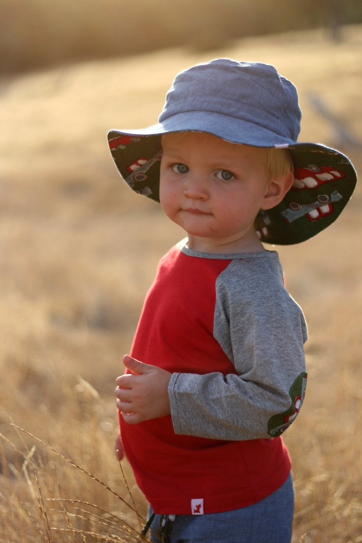 $29.95 - Boys Hat (Toots and Hoots) UPF 50+. It has a front brim of 5.5cm, in accordance with Cancer Council recommendations, and a wider back brim for added neck protection. It's made from lightweight 100% cotton chambray with a polycotton SportsPlus® core for breathability and durability. With an adjustable drawstring & cordlock it fits Size Small (1-3) and Medium (4-6). It is 100% Australian made and designed with sun protection in mind. www.shadydays.com.au