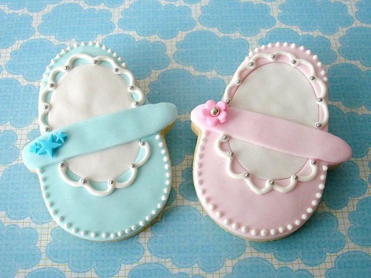 Absolutely adorable baby booties!!
