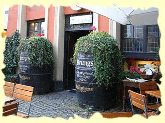 Gast und Weinhaus Brungs, Kolonia: zobacz bezstronne recenzje (285 ) na temat Gast und Weinhaus Brungs, z oceną 4 na 5 w serwisie TripAdvisor, na pozycji 13 z 2208 restauracji w Kolonii.