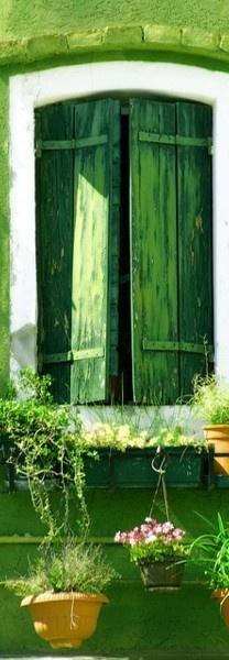 en verde.