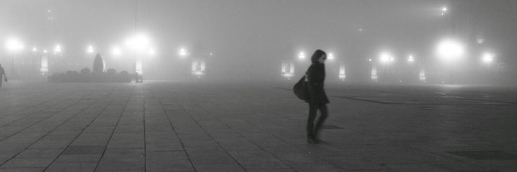 Torino, Piazza Castello in una notte di nebbia