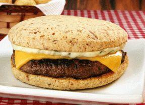 Aprenda a fazer o TremBão, hambúrguer no pão de queijo que está fazendo sucesso em São Paulo - Gastronomia - Bonde. O seu portal