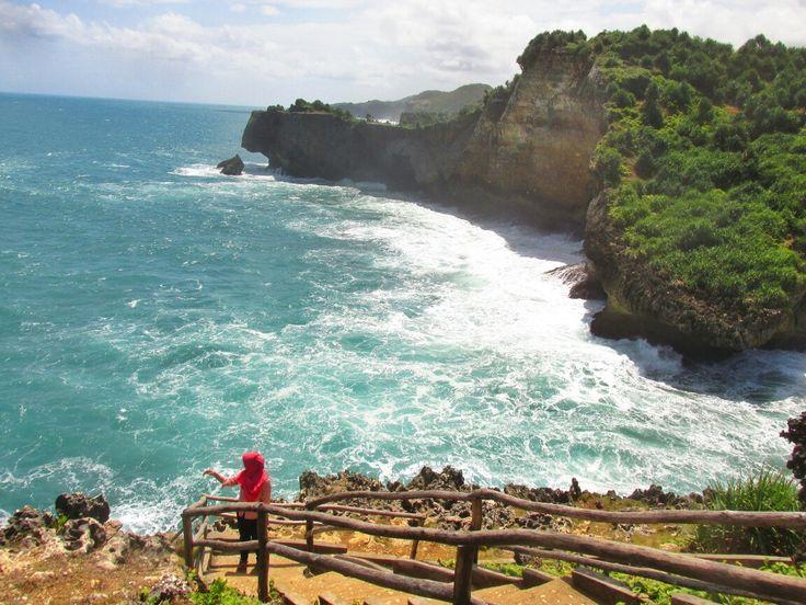 Pantai ngeden, gunungkidul by @vidyaayuu #explorejogja #dolanjogja #gunungkidul #traveling #travelingindonesia #pantai ngeden